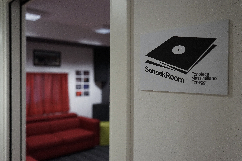 Soneek Room Fonoteca - Massimiliano Teneggi