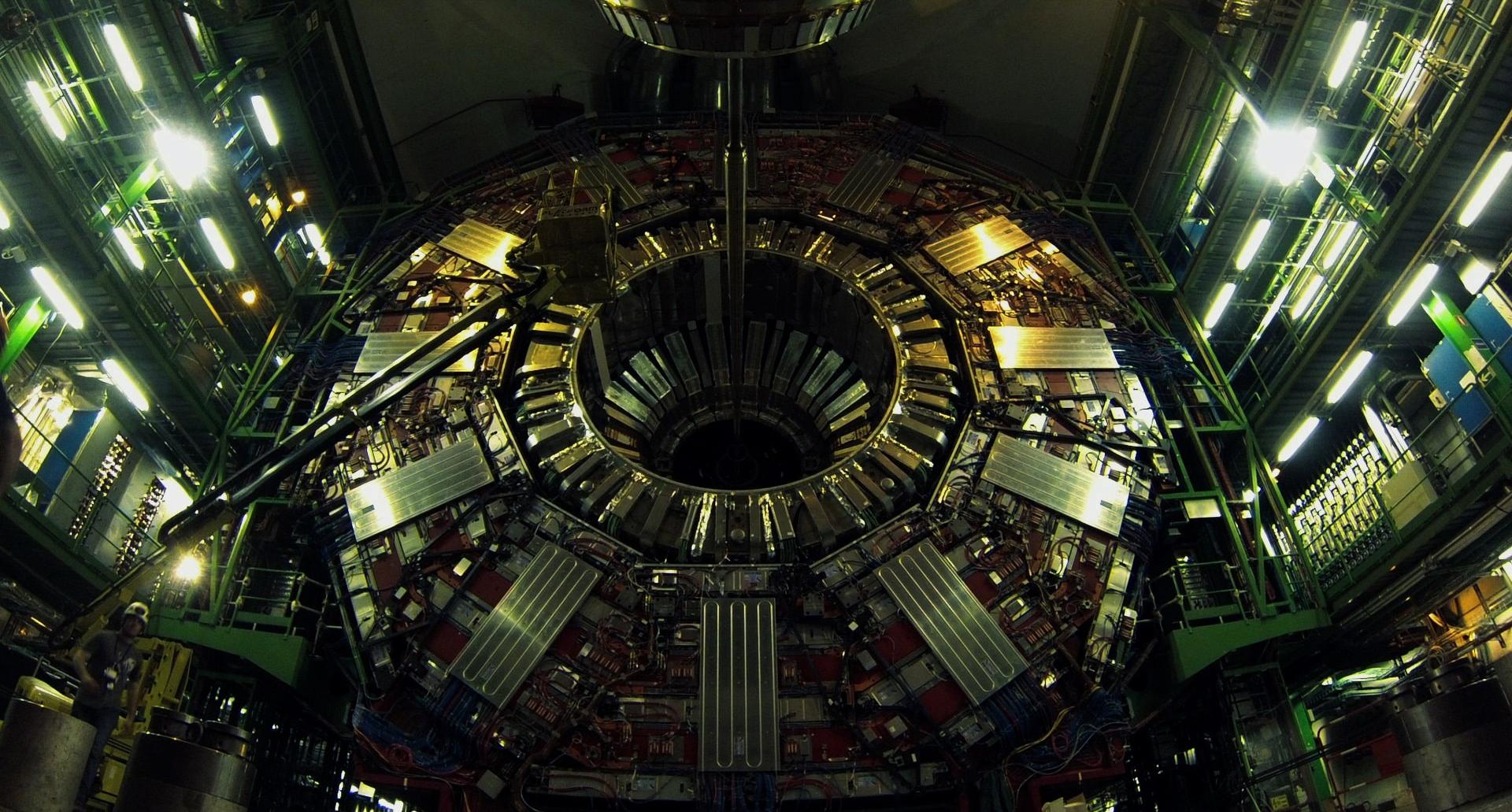 Il-Senso-della-Bellezza-Arte-e-scienza-al-CERN