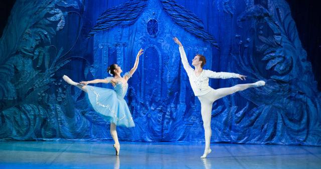 Lo Schiaccianoci – Il tradizionale balletto natalizio al Teatro Comunale Luciano Pavarotti