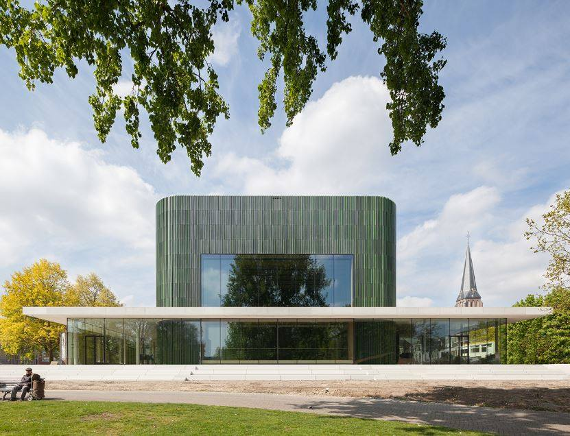 Domenica 22 Luglio 2018 ore 21:00 > 23:00 Architettura e innovazione, Frits Van Dongen Dalla città di Amsterdam al suo intorno: Musis Sacrum