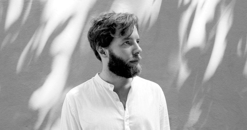 Relativismo e creazione – Intervista a Emanuele Aldrovandi, regista di Farfalle