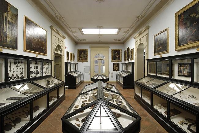 Una-sala-dei-Musei-Civici-di-Modena