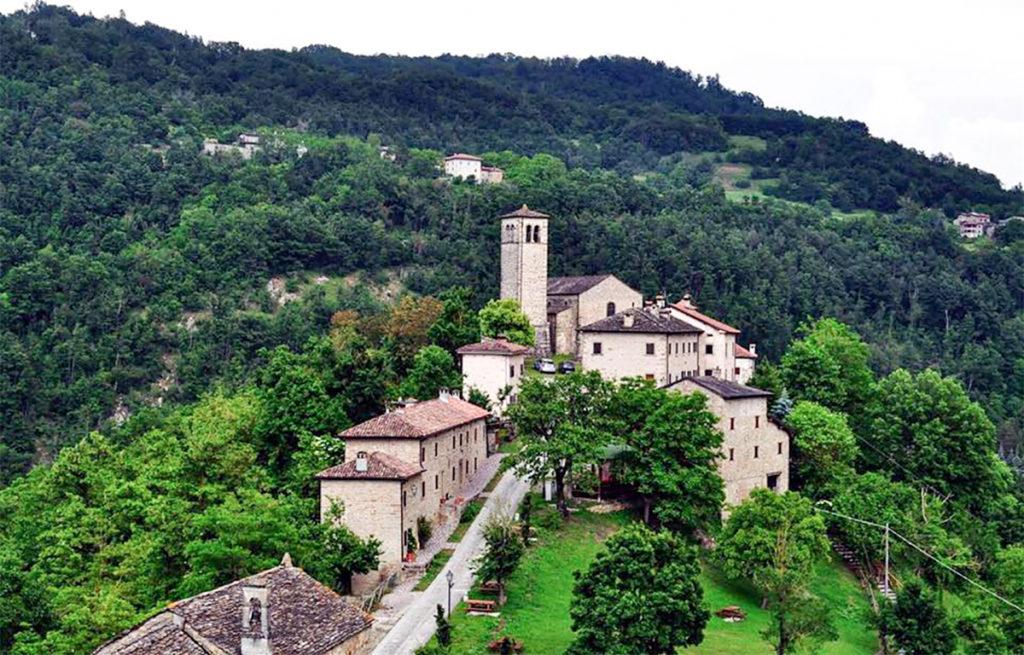 Gombola Borgo Teatro dei Venti Progetto artistico culturale appennino modenese