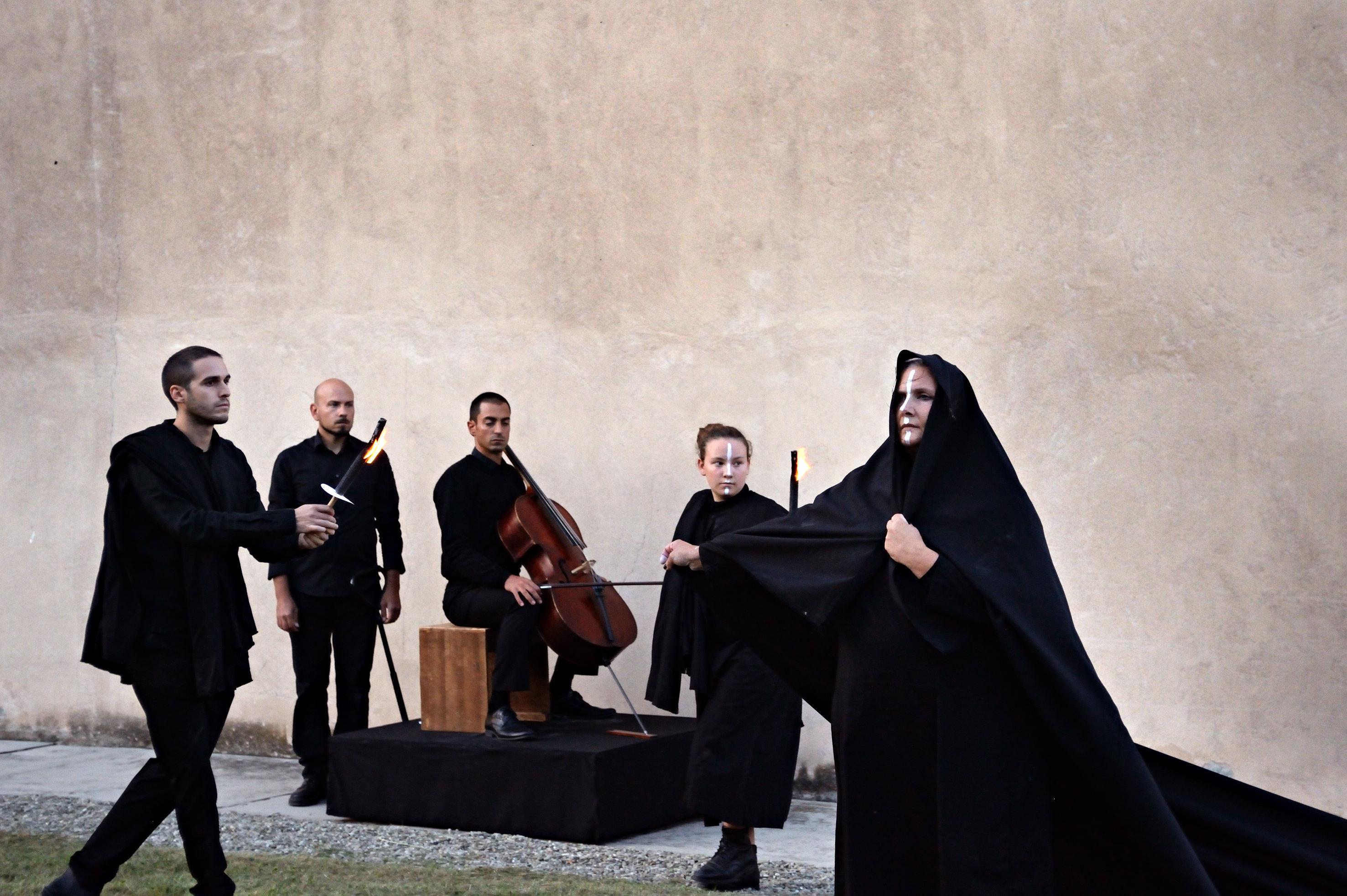 Requiem Antigone Franco Guardascione Periferico Festival MoCu modena cultura Archivio Zeta