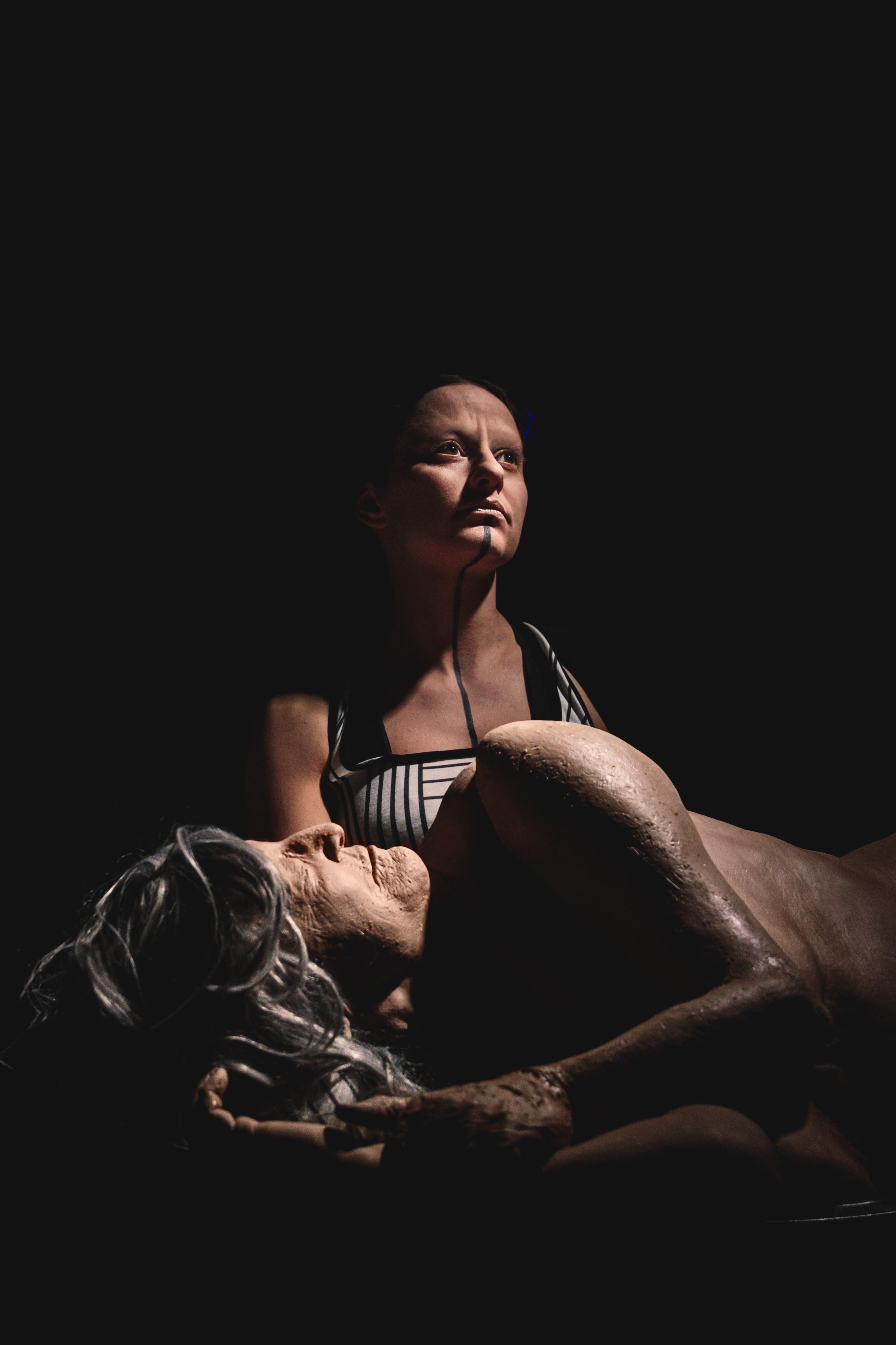 Earthbound Guido Mencari Marta Cuscunà ERT emilia romagna teatro mocu modena cultura